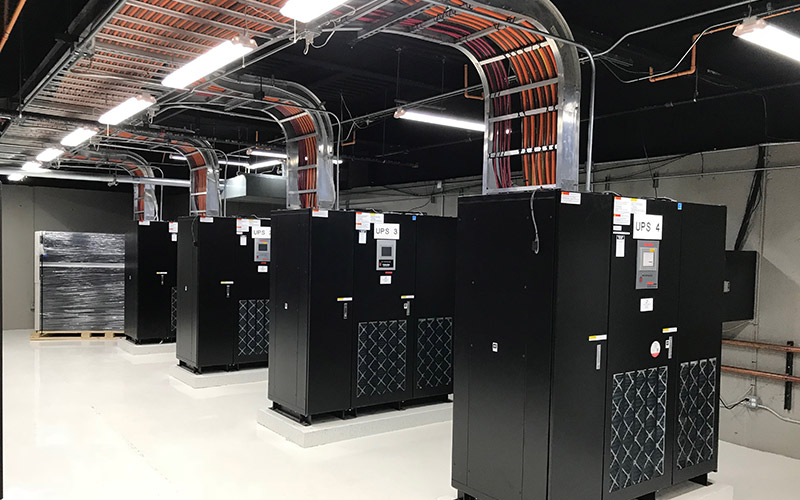 123Net heavily invests in 2(N+1) redundant data center infrastructure to protect customers from outages.